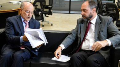 Photo of Adams entrega pedido de suspeição de Nardes no processo de contas de 2014