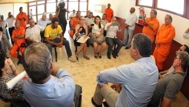 Photo of Rui se reúne com representantes de brigadistas e diz que momento é de crise; confira vídeo