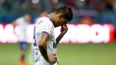Photo of Sampaio Corrêa consola o Bahia após derrota que o mantém na Série B em 2016