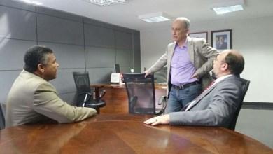 Photo of Rui Falcão recebe Valmir e João Daniel para debater estratégias de defesa no Congresso