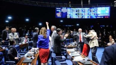 Photo of Senado aprova artigo de PEC que abre janela para mudança de partido