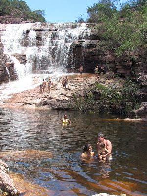 Cachoeira do Riachinho fica dentro de um parque municipal e está fechada por causa da pandemia   FOTO: Divulgação  