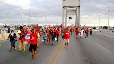 Photo of Pela democracia, mais de 150 mil trabalhadores ocupam as ruas em toda a Bahia