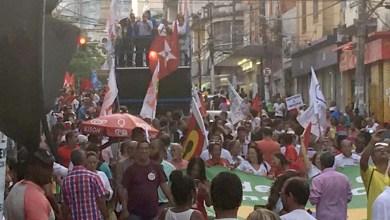 Photo of Ato em Salvador protesta contra impeachment com música e gritos de ordem