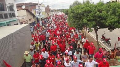 Photo of Chapada: Movimento 'Não Vai Ter Golpe' leva multidão às ruas de Boa Vista do Tupim; veja fotos