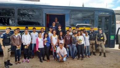 Photo of Chapada: Estudantes de Seabra participam do Projeto Cinema Rodoviário da PRF
