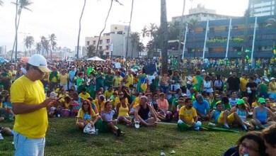 Photo of Bahia: Defensores do impeachment se concentram na praia do Jardim de Alah