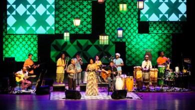 Photo of Bahia: Educadora premia finalistas do Festival de Música nesta quinta