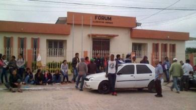Photo of Chapada: Eleitores de Morro do Chapéu fazem fila para serviços do Cartório Eleitoral