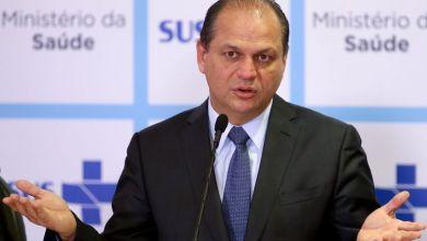 Photo of Homem procura menos serviço de saúde porque trabalha mais, diz ministro