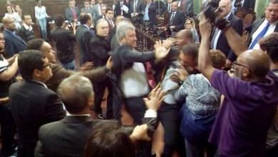 Photo of Vídeos: Votação do Plano de Educação gera violência entre vereadores de Salvador