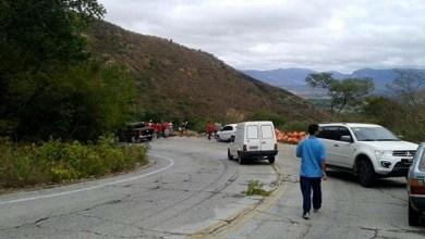 Photo of Chapada: Motorista de caminhão perde controle da direção e despenca de ribanceira na Serra das Almas