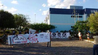 Photo of Chapada: Estudantes da Uneb em Itaberaba ocupam Departamento de Educação