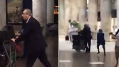 """Photo of Vídeo: Ex-presidente da Câmara, Eduardo Cunha leva """"sapatada"""" em aeroporto"""