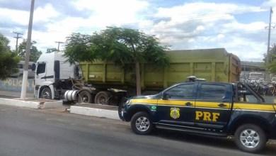 Photo of #Bahia: Caminhão carregado com areia extraída ilegalmente é apreendido pela PRF