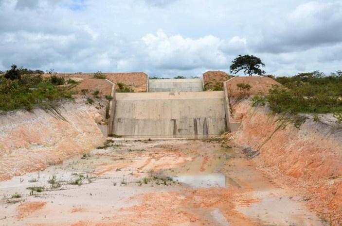 Barragem de Casa Branca, sobre o rio Capãozinho   FOTO: Mário Marques  