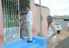 O prefeito Ricardo Mascarenhas ouve demandas da população   FOTO: Divulgação/Ascom-Itaberaba  
