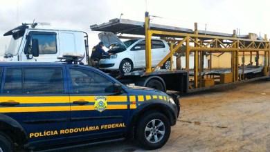 Photo of Chapada: Caminhão cegonha com veículo roubado é flagrado pela PRF na região de Andaraí