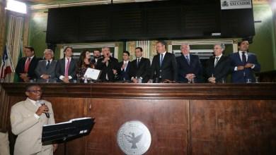 Photo of Presidente da Alba, Coronel recebe título de cidadão soteropolitano de vereador do DEM