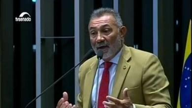 """Photo of Senador que votou pelo impeachment pede desculpas para Dilma: """"Maior equívoco da minha vida"""""""