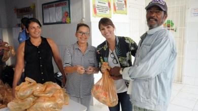 Photo of Itaberaba: Prefeitura distribui 24 toneladas de alimentos para famílias passarem a Semana Santa