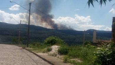 Photo of Chapada: Incêndio atinge região entre o Vale do Pati e Andaraí; brigadistas articulam combate