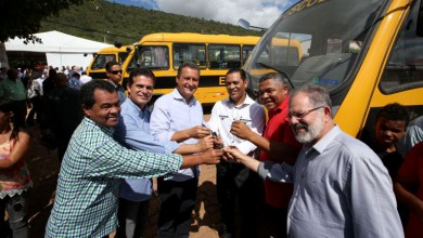 Photo of Rui garante desenvolvimento do potencial turístico com recuperação de estrada em Itaetê, diz Valmir