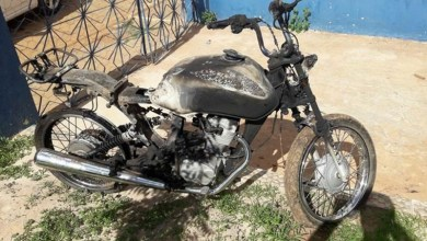 Photo of Chapada: Polícia prende dupla suspeita de furtar moto e atear fogo no veículo em Cafarnaum