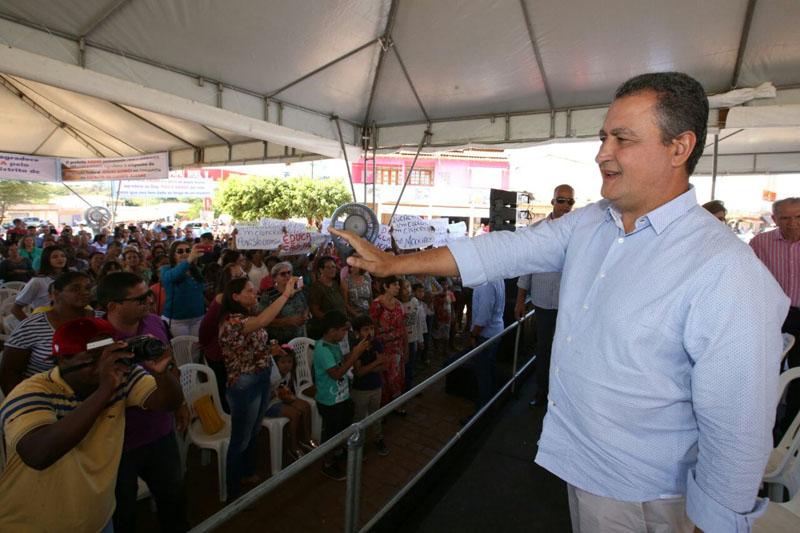 #Bahia: Governador quer resolver questões com base aliada para eleições deste ano