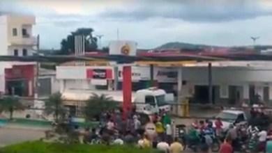 Photo of #Vídeo: Protesto em posto na cidade de Itaberaba impede venda de combustível