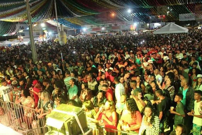 Itaberaba: São João leva multidão para o primeiro dia de atrações; Bell e Targino se apresentam nesta sexta