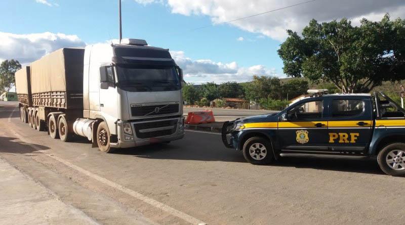 Seabra: Condutor é preso pela PRF com rodotrem adulterado e documentação extraviada do Mato Grosso