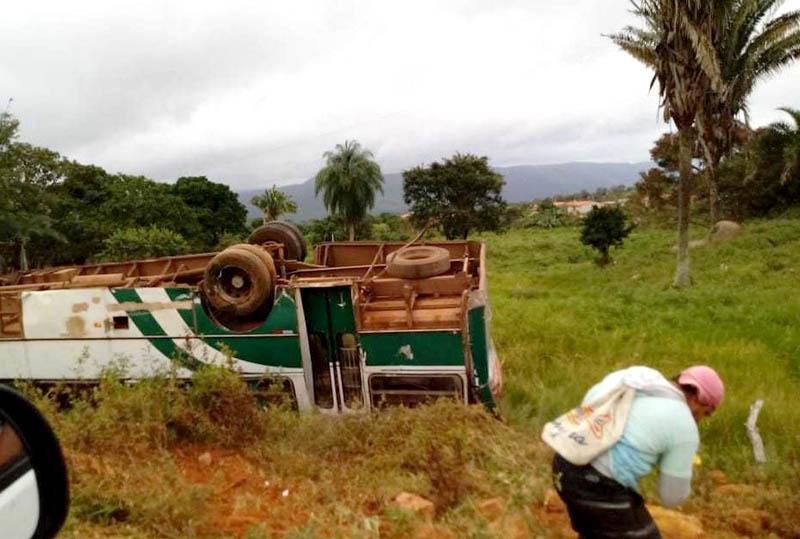 #Bahia: Tio e sobrinho morrem em acidente de motocicleta na BA-372 em Pindobaçu