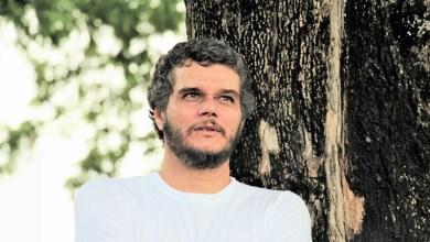Photo of Chapada: Escritor lança livro no campus da Uneb em Itaberaba durante simpósio de Letras