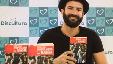 Photo of Chapada: Lançamento de livro de cordel sobre festas populares movimenta loja em Itaberaba