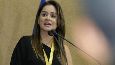 """Photo of """"Como podem avaliar um estudante"""", brada Lorena sobre questões de dialetos homossexuais no Enem 2018"""