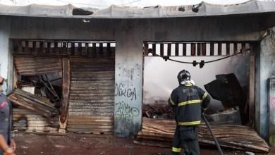 Photo of #Salvador: Incêndio de grande proporção consome dois casarões na Baixa dos Sapateiros