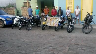 Photo of Chapada: Policiais da Cipe acabam com competição clandestina de motos e detêm condutores em Mucugê