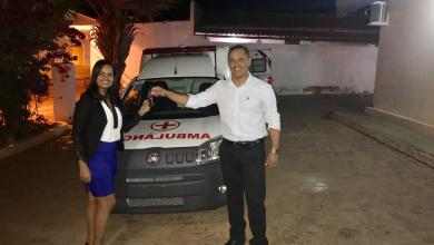Photo of Chapada: Prefeito de Itaetê entrega nova ambulância para a população