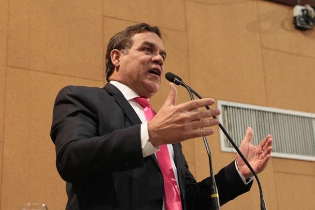 Resultado de imagem para Oposição diz que governador precisa esclarecer extinção de 1,8 mil cargos e criação de 1,6 mil