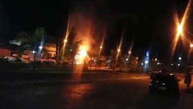 Photo of Chapada: Patrimônio público é incendiado em área central da cidade de Jussiape; veja vídeo