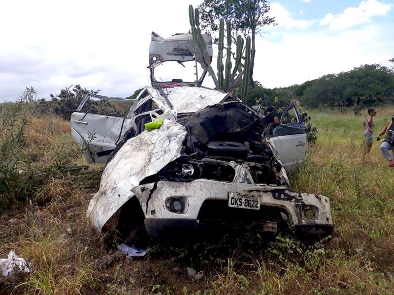 Chapada: Grave acidente na estrada entre Ipirá e Itaberaba deixa mortos e feridos; veja fotos
