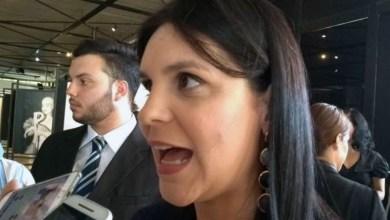 Photo of #Salvador: Deputada do PSL alfineta esquerda após nomeação de seu marido para secretaria da gestão ACM Neto