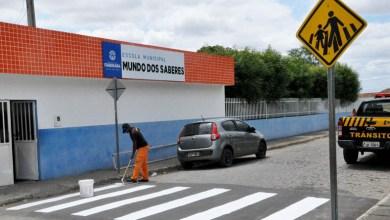 Photo of Chapada: Sinalizações de trânsito próximas de escolas são revitalizadas pela prefeitura de Itaberaba