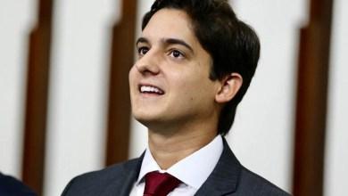 """Photo of """"Só faltou dizer que fez supletivo"""", ironiza Marcelinho Veiga sobre demissão de ministro da Educação"""
