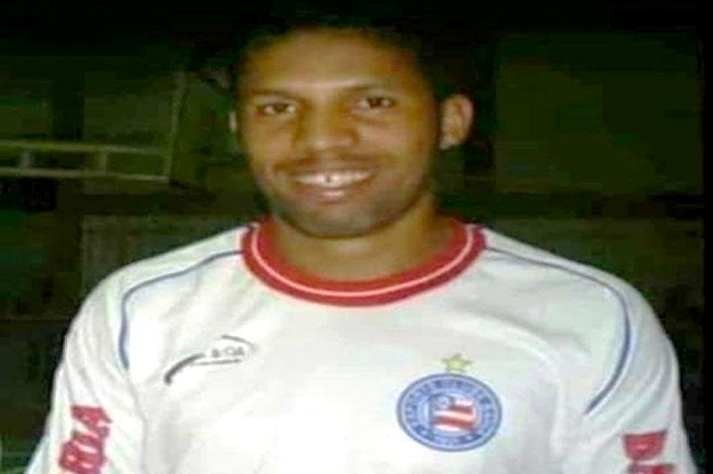 #Vídeo: Jogador de futebol morre após mal súbito durante partida em América Dourada