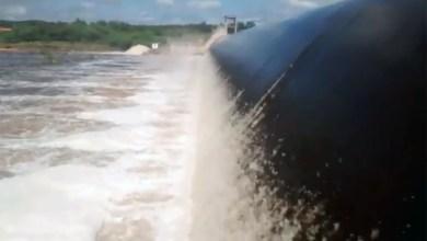 Photo of Chapada: Barragem Bandeira de Mello 'sangra' depois das fortes chuvas na região; veja vídeo