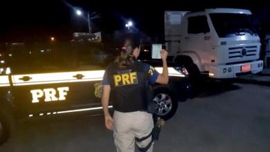 Photo of Chapada: Motorista de caminhão é flagrado pela PRF com documentação falsa em Capim Grosso