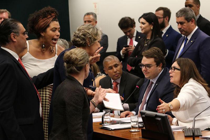 #Urgente: Reforma da Previdência de Bolsonaro passa na CCJ e segue para comissão especial na Câmara