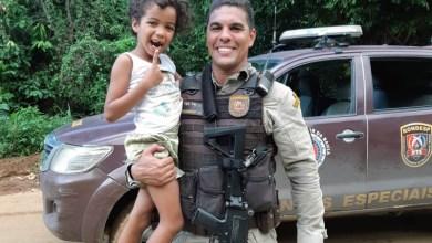 Photo of #Vídeo: Policial militar extrai dente de criança em Salvador e imagens viralizam na internet